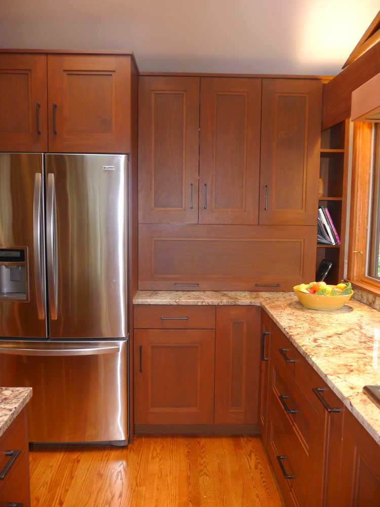Modern Craftsman Kitchen Design with Rutt Handcrafted Mahogany Wood Cabinetry in Wilmington, Delaware